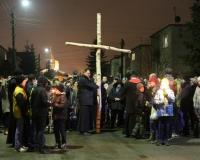 droga krzyzowa ulicami parafii 2016 (19)